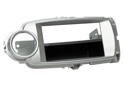 Ramka radiowa Toyota Yaris 10/2011-> (XP13) srebna