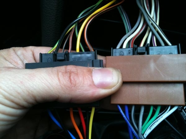 Adapter do sterowania z kierownicy Ford ->2004 CTSFO001.2