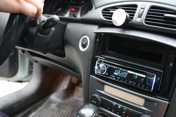 Adapter do sterowania z kierownicy Renault Clio, Laguna, Megane, Scenic, Trafic 2000 -> CTSRN003