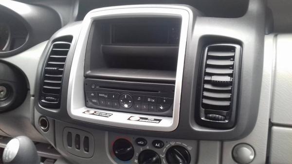 Ramka radiowa 2 DIN Opel Vivaro (X83) 2010, Nissan Primastar (J4), 2011 -> Renault Trafic II